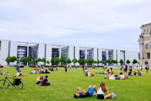 Crowd Urbanism